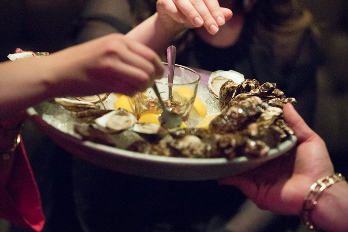Plus de 3 000 huîtres en une soirée!